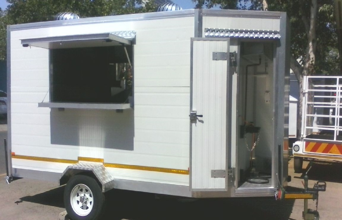 Msf trailer manufacturers mobile kitchens mobile for Kitchens for sale